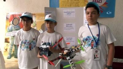Öğrenciler etkinlikleri havadan görüntülemek için drone üretti