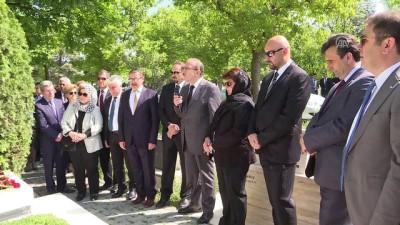 Mustafa Yücel Özbilgin mezarı başında anıldı - ANKARA