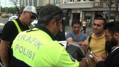 Taksim Meydanı'nda trafik polisi itfaiye gerginliği