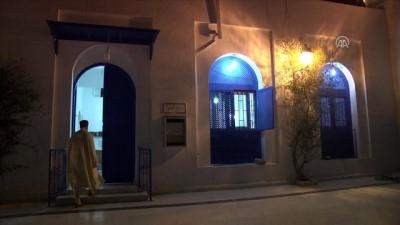 Tunuslular ramazanın ilk teravihinde Filistinliler için dua etti - TUNUS
