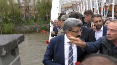 '93 Harbi Şehitleri' anısına Kura nehrine karanfil bırakıldı