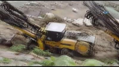 - Kolombiya'da Barajda Göçük: 5 Bin Kişiye Tahliye
