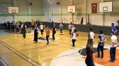 Öğretmenlerden 65 kişilik halk oyunları ekibi - GAZİANTEP