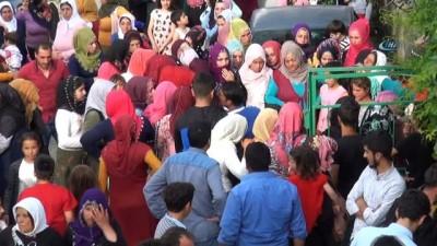 Resmi Nikah -  Sahur vakti kayınbiraderi tarafından boğazı kesilerek öldürülen Pınar, toprağa verildi