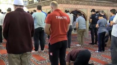 Selimiye Camisi'nde ramazanın ilk cuma namazı kılındı - EDİRNE