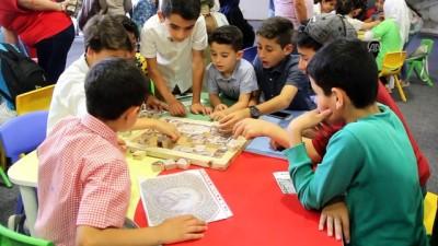 Suriyeli çocuklar Hatay Arkeoloji Müzesi'ni gezdi - HATAY