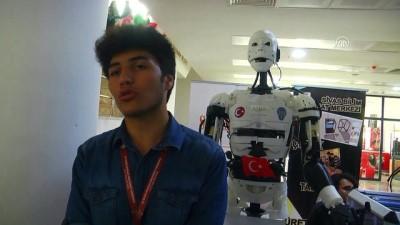 İnsansı robot 'Yiğido' nişan alıp atış yapabiliyor - SİVAS