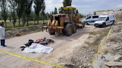 İş makinesinin çarptığı motosikletin sürücüsü öldü - KARAMAN