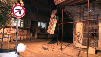 Kadıköy'de 200 yıllık tarihi bina çöktü