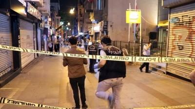 Kadıköy'de bıçaklı kavga: 1 ölü 1 yaralı