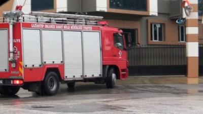 Gaziantep'te duvar çöktü: 1 ağır yaralı