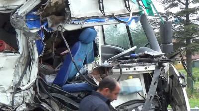 sehirlerarasi otobus -  Isparta'da halı yüklü kamyon yolcu otobüsüne çarptı: 7 yaralı