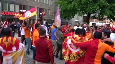İsveç'te Galatasaraylı taraftarlar şampiyonluğu kutladı - STOCKHOLM