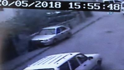 Dikkatsiz kadın sürücü anne ve 2 çocuğunu böyle ezdi