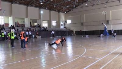 Görme engelli çocuklar üniversite öğrencileri ile maç yaptı - KONYA
