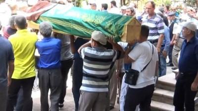 Oğlu tarafından boğularak öldürülen kadın toprağa verildi