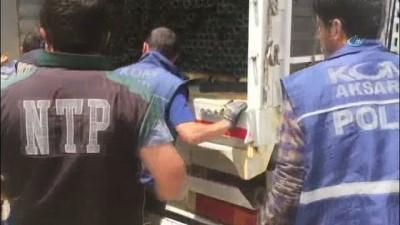 Tır dorsesi altına gizlenmiş 18 bin paket kaçak sigara ele geçirildi
