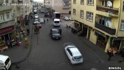 Yurt genelinde dikkatsiz sürücüler mobese kameralarına böyle yansıdı