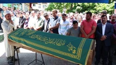 Çoruh Nehri'ne düşen otomobilde hayatını kaybeden 2 kişinin cenazeleri toprağa verildi - ARTVİN
