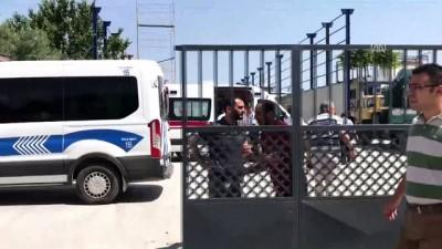 Depo yapımında çalışan işçiler elektrik akımına kapıldı - ADANA