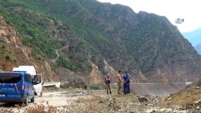Artvin'de Çoruh Nehri'ne uçan araçtaki 3. şahsın cesedi bulundu