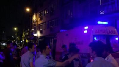 bicakli kavga - Kadıköy'de bıçaklı kavga: 2 yaralı - İSTANBUL