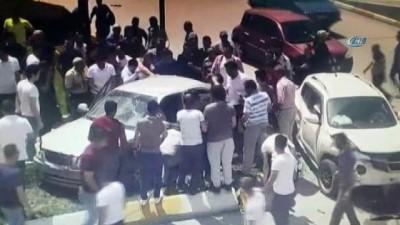 Kavşakta ciple otomobil çarpıştı: 1 ölü, 5 yaralı... O anlar kamerada