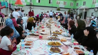 muslu - Suriyeli yetimler iftar sofrasında buluştu - HATAY