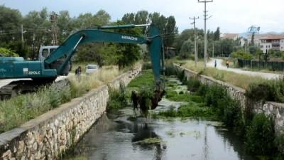kanald -  Büyük Menderes nehrinde temizlik çalışmaları