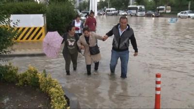 Başkent'te sel ile mücadele