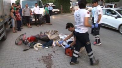 - Kamyonetin sıkıştırdığı mobilet kaza yaptı: 1 ölü, 1 yaralı