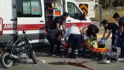 Manavgat'ta motosiklet kazasında 2 kişi ağır yaralandı