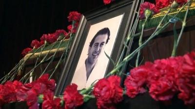 Oyuncu Arda Öziri için duygulandıran cenaze töreni