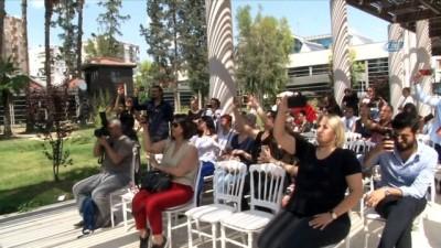 Her 200 kişiden birinin hastalığı AS'ye dans ederek dikkat çektiler
