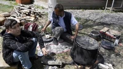 Kalaycılığı yaşatmak için Türkiye'yi dolaşıyor - ARDAHAN