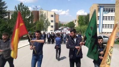 Sivas'ta Türkçülük Günü yürüyüşü