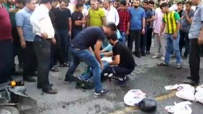 Şanlıurfa'da iki motosiklet kafa kafaya çarpıştı: 3 yaralı