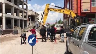 - Sivas'ta alt yapı çalışması sırasında doğalgaz borusu patladı