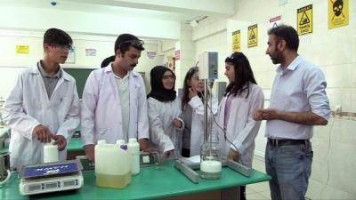Okulun temizlik ürünleri öğrencilerden - GAZİANTEP