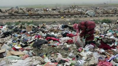 Rakkalı çocuklar zamanlarını okul yerine çöplüklerde geçiriyor - SURİYE