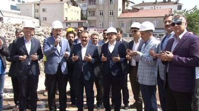 Tuzla'da kentsel dönüşüm kapsamında riskli yapıların yıkımı gerçekleşti