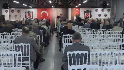 Beşiktaş Kulübü Divan Kurulu Başkanı Yamantürk: '(TFF yönetimindeki Beşiktaşlılar) Bu altı kişi ile yağmurda aynı şemsiye altında bile korunmak istemiyorum' - İSTANBUL