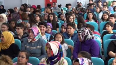 Gaziosmanpaşa Belediyesi Bilgi Evlerindeki başarıyı yarışmalarla teşvik ediyor