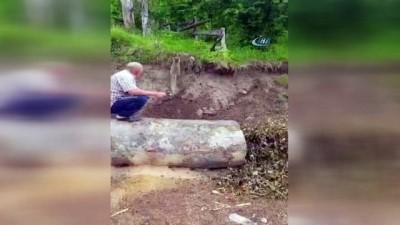 'Kanka' ismini verdiği yavru tilkiyi her gün elleriyle besliyor