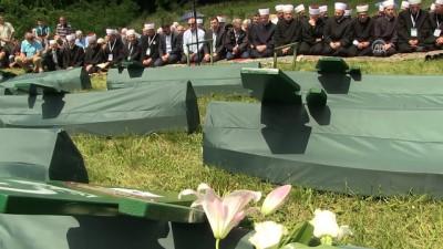 Bosna Savaşı'nda 26 yıl önce yakılan 8 kurban toprağa verildi - KALESİJA
