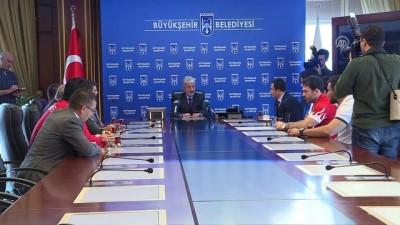 Başkan Tuna, milli güreşçileri kabul etti - ANKARA