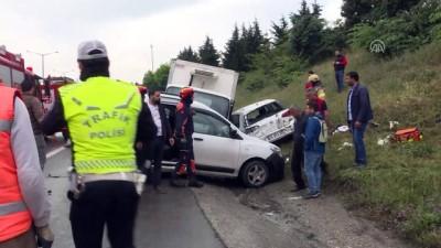 Gaziosmanpaşa'da zincirleme kaza: 2 yaralı - İSTANBUL