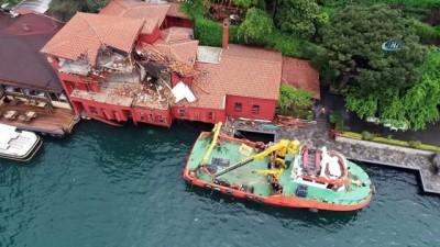 Geminin çarptığı tarihi yalıdaki yeniden yapım çalışmaları havadan görüntülendi