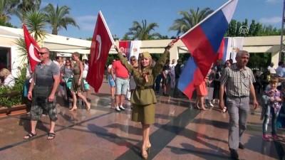 Ruslar Antalya'da 'Zafer Günü'nü kutladı - ANTALYA