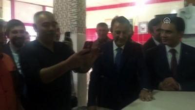 Başbakan Yardımcısı Bozdağ, fırına pide attı - YOZGAT